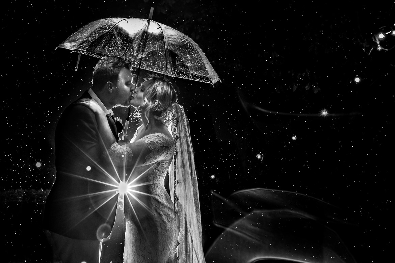 Bruidsfotograaf regen