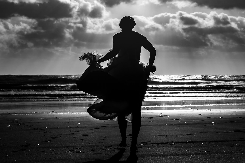 Bruid op het strand van Texel